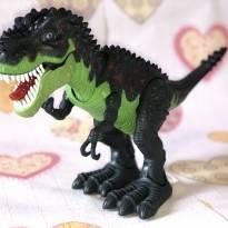 Tiranossauro Rex Anda, mexe a cauda e acende os olhos e a língua! - Sem faixa etaria - Importado