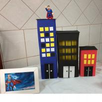 Prédios para enfeite de mesa tema Super Heróis -  - Artesanal