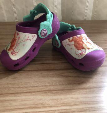 Crocs Original princesa Ariel ! - 22 - Crocs