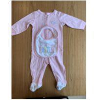 Macacão rosa Páscoa com babador - 9 meses - Carter`s