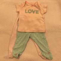 2 calças com pezinho + camiseta Carter`s - tam 3m - 0 a 3 meses - Carter`s