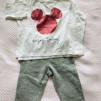 Conjunto calça de moletom cinza + camiseta Mickey Zara Baby Girl - tam 18m - 18 meses - Baby Gap e Zara Baby