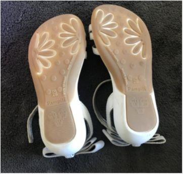 Sandália em couro branco - 26 - Pampili
