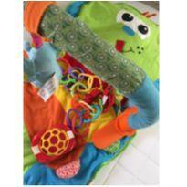 Tapete ''cama'' portátil com brinquedos -  - Importado EUA