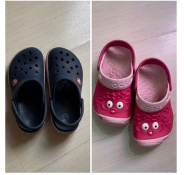 2 pares de Crocs originais - 28 - Crocs