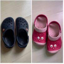 2 pares de Crocs originais - 28 - Crocs