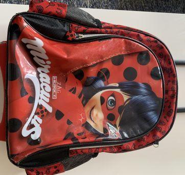 Mochila rodinha LadyBug Miraculoud - Sem faixa etaria - Miraculous