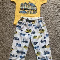 Conjunto pijama Carter's tamanho 2T