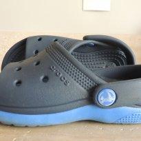 Crocs Azul Marinho  e Azul Royal - Perfeita para o Verão - 23 - Crocs