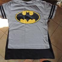 Camiseta do Batman com Capa Removível (velcro) - Importado _Usado 1x - 3 anos - Batman