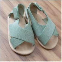 Sandália verde com brilho - 18 - Zara e Zara Baby