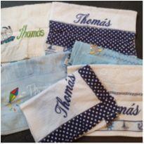 """DOAÇÃO toalhas escrito """"Thomás"""" -  - Artesanal"""