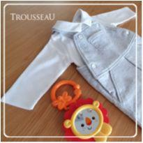 Conj Jardineira moleton Cinza + Body de algodão pima tamanho M - TROUSSEAU, NOVO - 3 a 6 meses - Trousseau