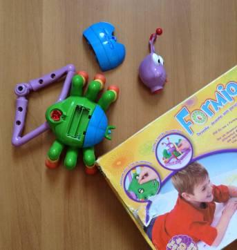 Brinquedo Formigone - Sem faixa etaria - DTC