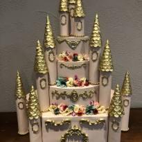 Bolo fake Castelo Princesas -  - Não informada