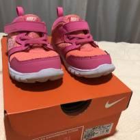 Tênis Nike rosa e laranja Flúor, super conservado.m Tam. 24 - 24 - Nike