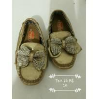 Sapato menina - 24 - Não informada