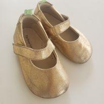 Sapato dourado - 18 - Tip Toey Joey