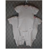 Conjunto de 3 bodies brancos Gerber - 3 anos - Gerber