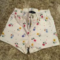 Shorts GAP Floral - 4 anos - GAP