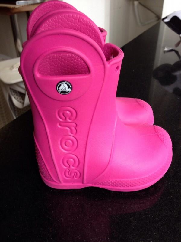 b6ea67635d9 Galocha Rosa Pink Crocs Menina 21 no Ficou Pequeno - Desapegos de ...