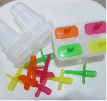 3 formas de picolé - Cada uma com capacidade para 4 picolés - Sem faixa etaria - Daiso Japan