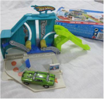 [Hot Wheels] Mini pista Turbo Wash -  com 1 carrinho - Sem faixa etaria - Mattel