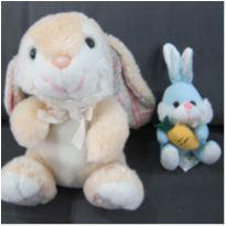 2 coelhos de pelúcia - Companhia fofinha para Páscoa e todo momento! -  - Indefinida e Fizzy
