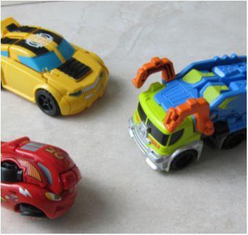 [Transformers & Carros] 2 Carros que viram robô, 1 Macqueen Vira formato de Ovo! - Sem faixa etaria - Hasbro e Outro