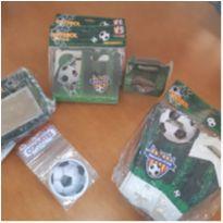 Kit para festa futebol, convites, cestas e caixas em papel cartão. -  - Não informada