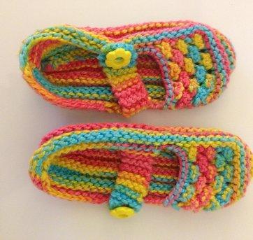 d11c23ef58 Sapatilha de crochê colorida 14 no Ficou Pequeno - Desapegos de ...