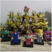 Lego Cavaleiros do zodíaco - preço referente a um personagem de sua escolha -  - Lego
