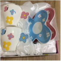 Conjunto de xicaras em porcelanas Importada -  - Importada