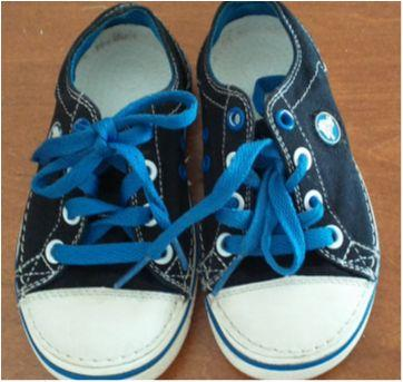 Tênis Crocs azul e preto - 27 - Crocs