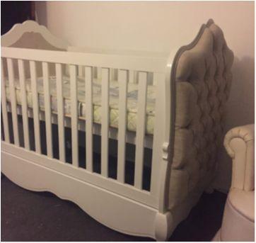 Berço Imperial com detalhe em Capitonê - Sem faixa etaria - Mundo do Bebê