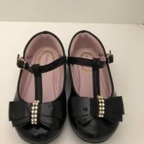 Sapato preto pampili tamanho 22
