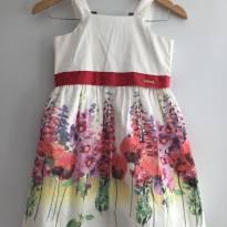 Vestido anime branco com estampa floral tamanho 8 - 8 anos - Animê