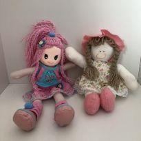2 bonequinhas de pano
