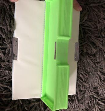 Estojo sapinho 2 compartimentos - Sem faixa etaria - Importada