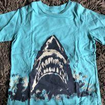 Camiseta tubarão babyGap tamanho 5 - 5 anos - Baby Gap