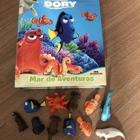 Livro com 11miniaturas procurando dory -  - Editora Melhoramentos