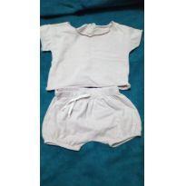 Conjunto shorts e blusa - 0 a 3 meses - Não informada