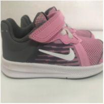 tênis nike rosinha - 20 - Nike
