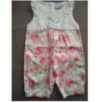 Macaquinho floral com renda novo - branco e rosa - 9 a 12 meses - Noruega Baby