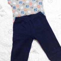 Conjunto de Body com estampa de bolas diversas e calça azul marinho - 12 a 18 meses - Onesies