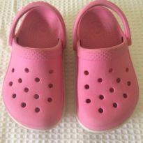 Crocs rosa com branco - 24 - Crocs