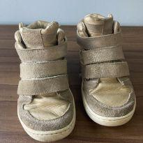 Sneaker dourado - 25 - Tip Toey Joey