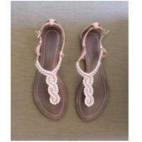 Sandália com pérolas - 36 - Sem marca