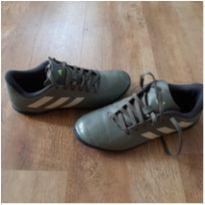 chuteira - 35 - Adidas