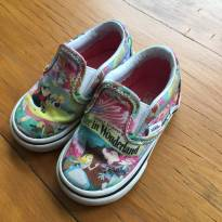 Tenis Vans Alice in Wonderland - Disney - 18 - Vans e Disney